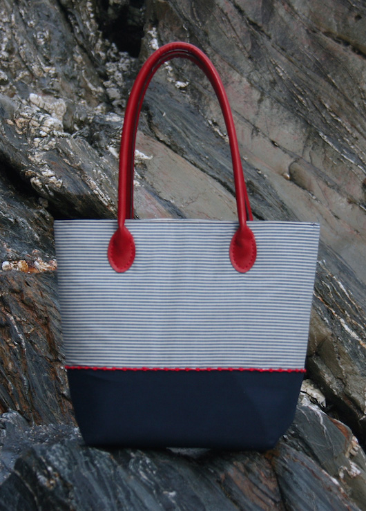 e10b8b8d8bbc Join Alice and make a gorgeous tote bag ready for the summer! She ll take  you through how to make a bag from scratch