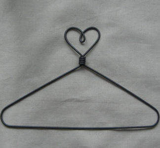 Heart Top 9 inch Wire Hanger